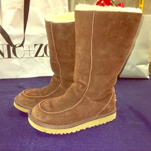 UGG brown high boots leather sheepskin size 3
